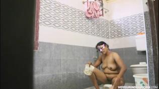 Indian Hot Bhabhi Amrita Taking Shower