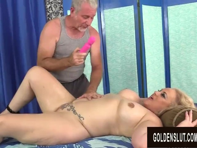 Husband Wife Eating Pussy