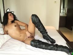 Solo shemale hottie wanking her dick
