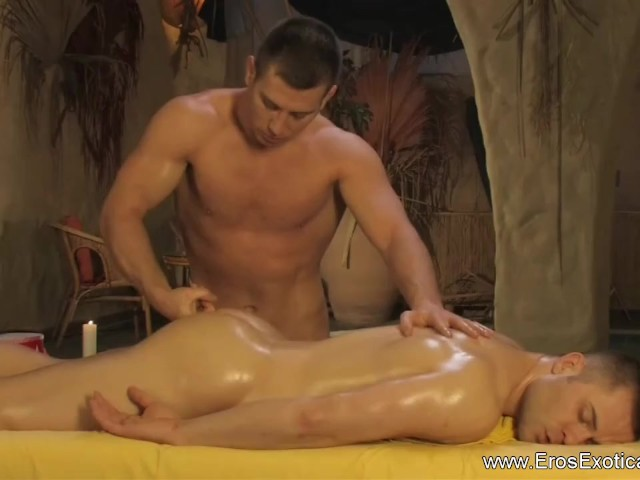 gay sauna sex tube