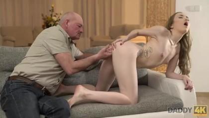 Daddys Lil ragazza porno