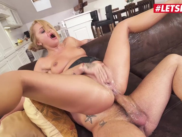 Girl Gets Fucked Squirts