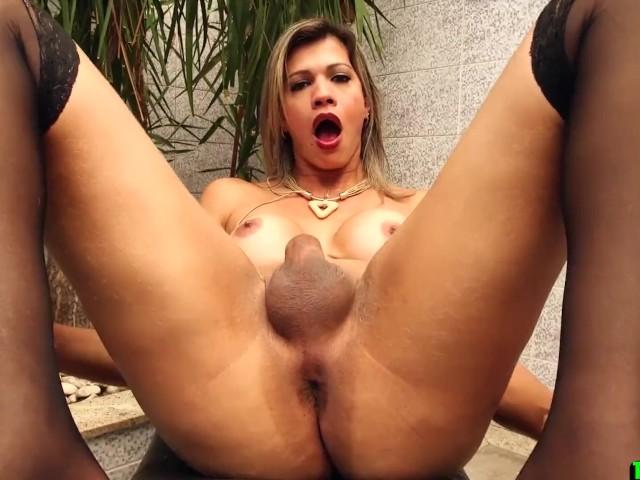 Randy Blonde Tgirl Jerking Off in Stockings