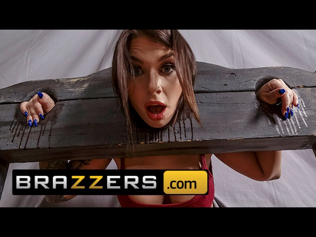 Brazzers - Big Tit Thicc Teen Ivy Lebelle Cucks Her Bf at the Fair