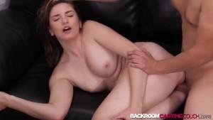 Παρασκηνιακές κάστινγκ πορνό βίντεο