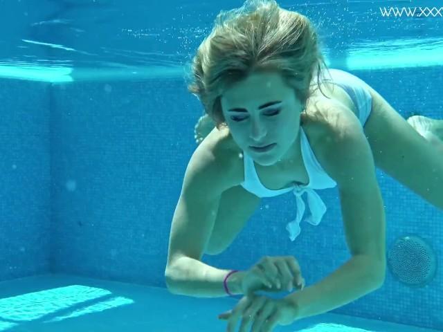 Hot Californian Blonde Lindsay