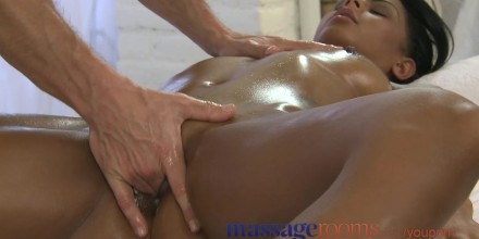Massage Rooms Black Girl Orgasms After Erotic Session Free Porn Videos Youporn