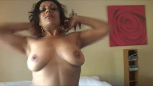 Indian milf porn pictures