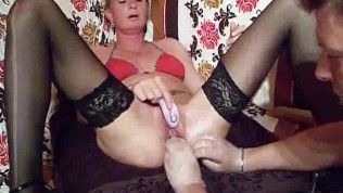 Amateurs fuck and squirts