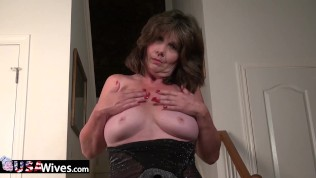 usawives-hot-mature-lady-lisal-stripping-down