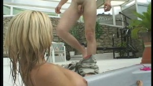 Blonde hottie gets poked in the pool 1/4