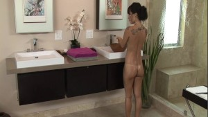 Japanese Nuru Massage by Asa Akira p.2/3
