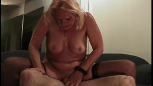 I want a young hard dick that likes to please an older lady