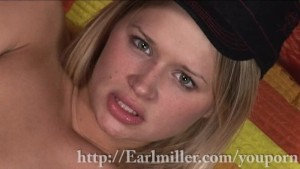 Heather Starlet gets her fingers wet