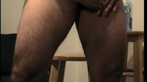 Gay guy loves to watch YouPorn while jerking off PT.2/3