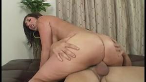 Round Juicy Butt Brunette Fucked