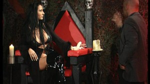 Super sexy vampire shows her tits