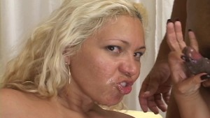 Goldie Gets A Face Full Of Goo