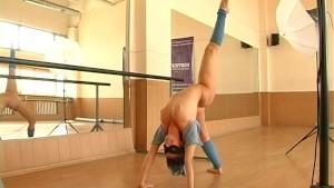 Flexi gymnast girl nude posing