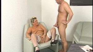 Fat mature housewife squirms