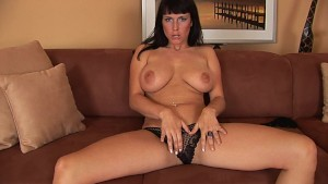 Roxana gets off with just hre fingers - CzechSuperStars