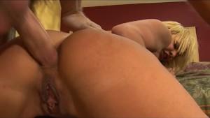 Vet Slut Felicia Teaches Newbie Porn Star The Ropes