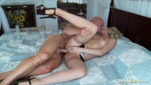Slutty cheating wife Jeanie Marie fucks a stranger for money