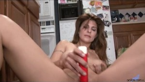 Her mature pussy is so wet
