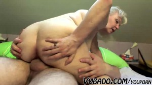 MATURE COUPLE FUCK HARD ON BED