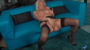 Sexy mom first naughty video