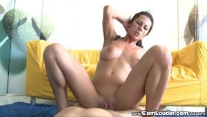 Horny Noemi Jolie swallows all the cum