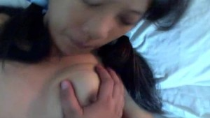 Hot Asian teen amateur sucks and fucks her guy