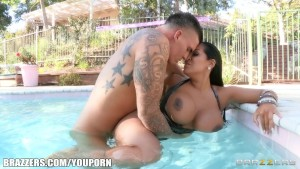 Latina MILF with huge boobs fucks the pool boy in the pool
