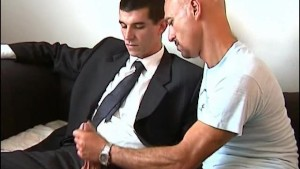 If you want i sign your contract, let me suck your huge cock of straight guy !