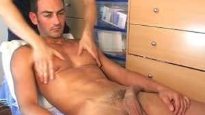 French stew guy serviced: Nicolas get wanked his huge cock by a guy in spite of him !