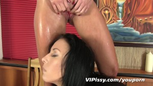 VIPissy - Piss in my spread open pussy
