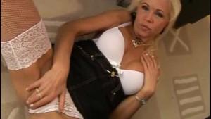 Dildo DP for hot mature blonde