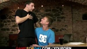 Gay lad seduces a hetero student