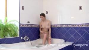 Halmia takes a soapy bath before masturbating