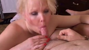 Cuddly mom loves to get spit roasted in a hardcore threesome