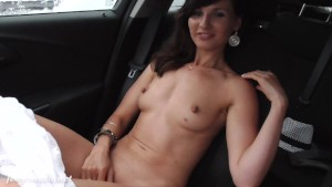 Jeny Smith no panties flashes at vacations!