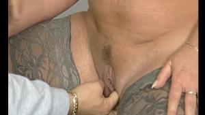 Fingering a chubby milf - Julia Reaves