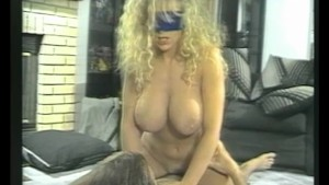 Sucking a mean cock blindfolded - Julia Reaves