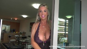 Wifey Gets Fucked By The Window Washer Guy
