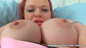 British milf Summer Angel Lee makes her nyloned pussy squirt