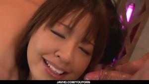 Buruma Aoi screams with two males fucking her