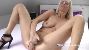 German Milf Jerk Off Instruction And Squirt