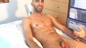 Real str8 french arab guy in a gay porn !