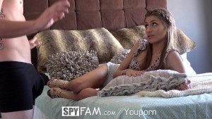 SpyFam Step-Bro Wants Sister Rebel Lynn Opinion On His Dick Size