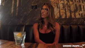 Thin sexy gets interviewed and give road head to camera man
